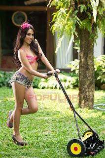 hot Anggita Sari for Popular Magazine, September 2011 (Part 1)