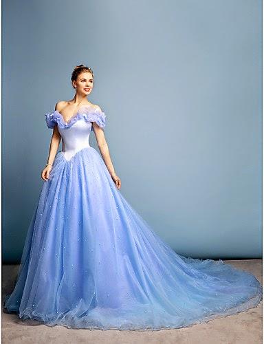 Vestido estilo Cenicienta en el Baile