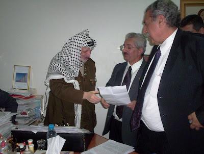 Yasser Arafat com os Deputados Jamil Murad e Nison Mourão