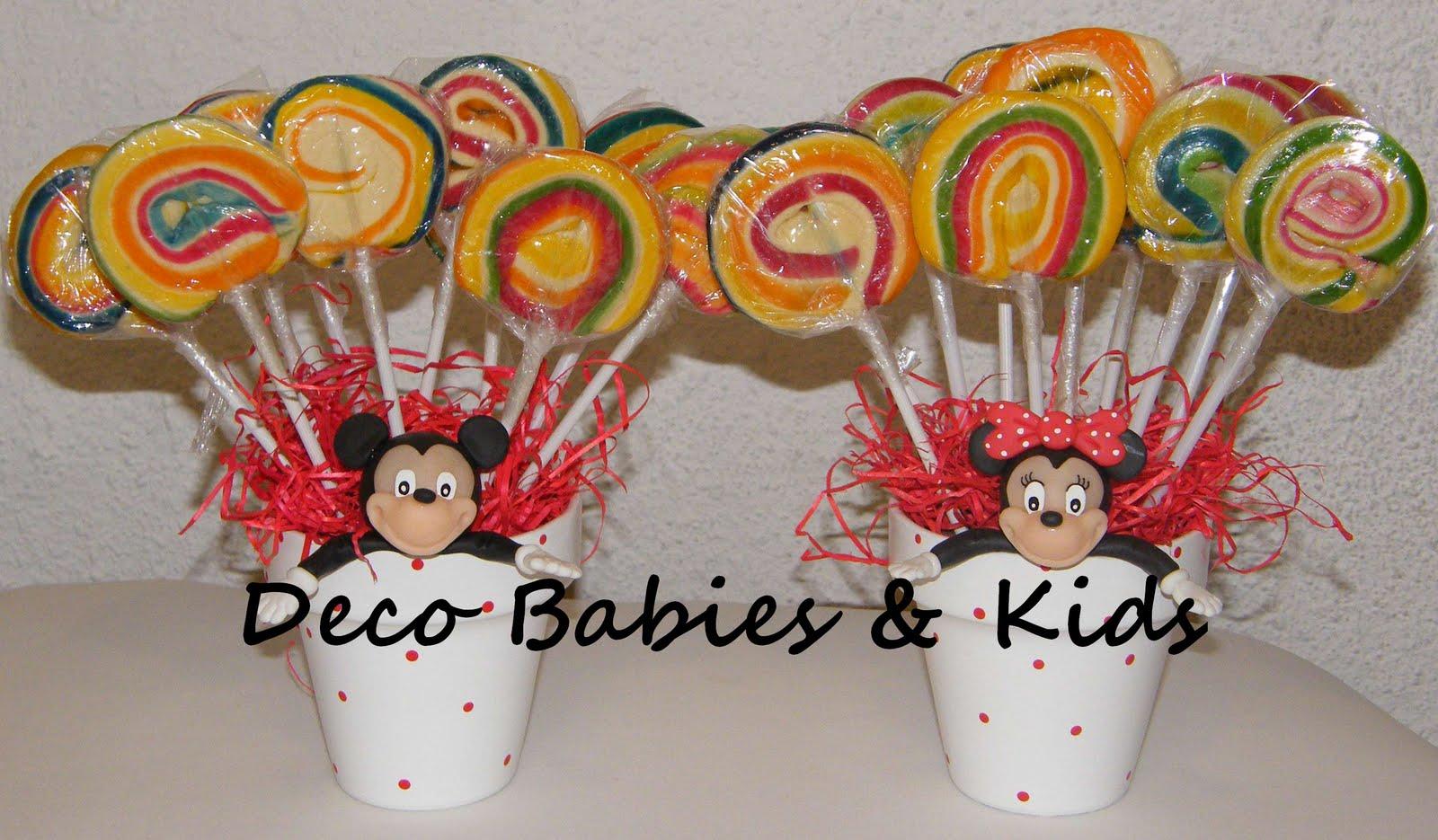 Deco Babies & Kids: Centro de mesa con chupetines Mickey y Minnie