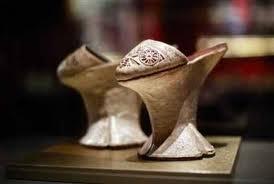 raja dan sepatu kulit