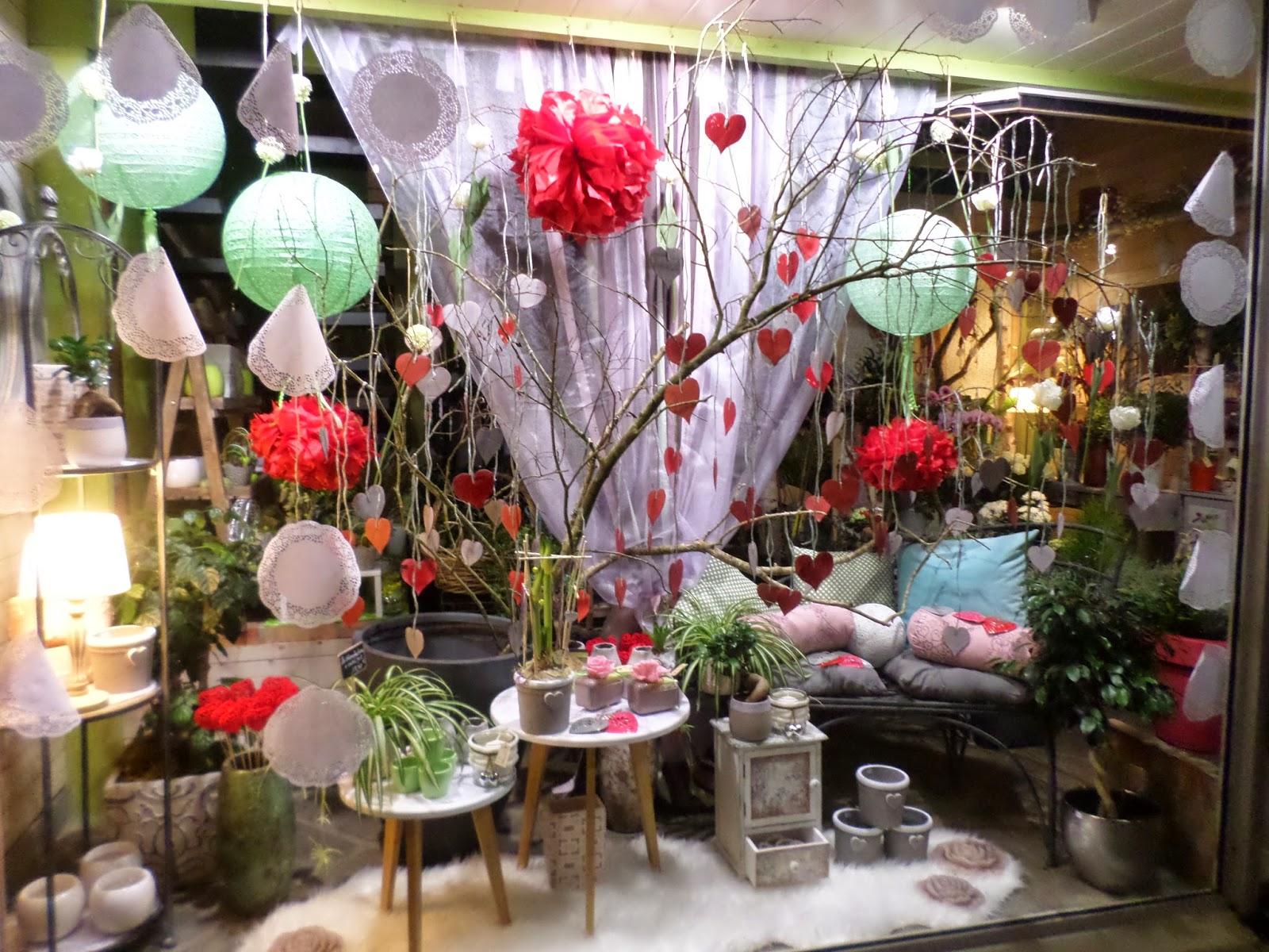 Ma tre artisan fleuriste vitrine saint valentin 2015 for Decoration vitrine saint valentin