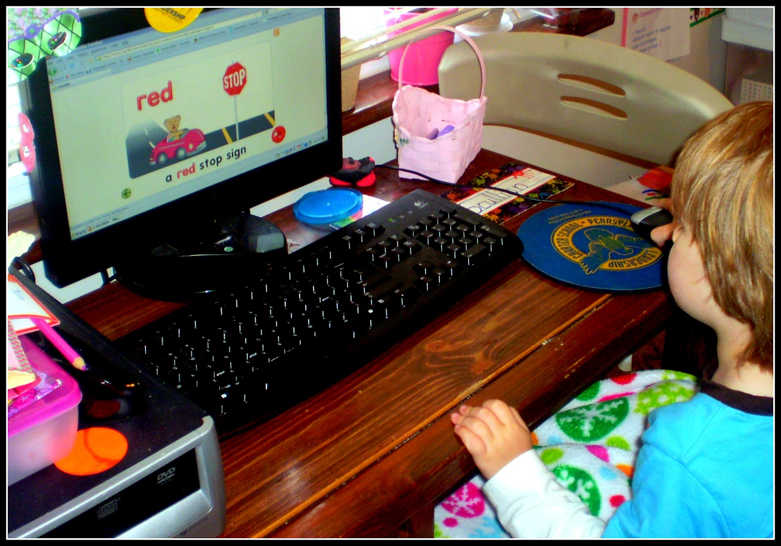 beginning computer skills for toddlers - Starfall Color