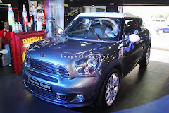 MINI Paceman Paints The Town
