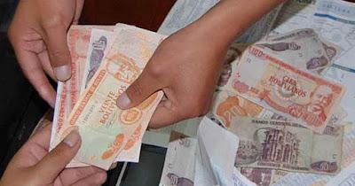 foto entrega de dinero