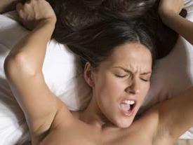 """Ha 50 Orgasmi al Giorno: """"La mia vita è un inferno non ce la faccio più""""."""