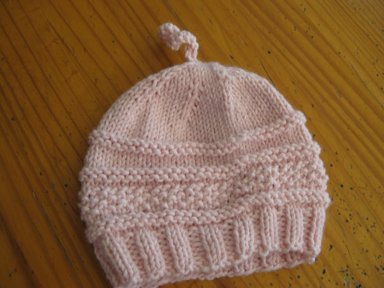 Knitting Pattern For A Toddlers Beanie : knitting baby hats-Knitting Gallery