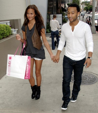 John+Legend+++snapped+with+girlfriend%252C+Christy+Teigen.jpg