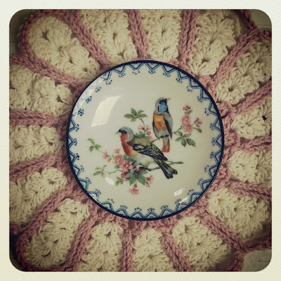 ByHaafner, thrifted plate with birds, crochet, potholder