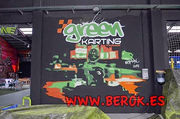 Graffiti mural de karts