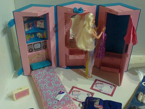 Casa Ufficio Barbie : Te lo ricordi mica : le case di barbie