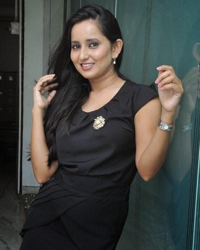 Ishika Singh New Stills Gallery