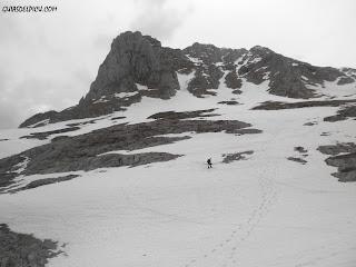 Guiasdelpicu.com Fernando Calvo Guia de montaña , escaladas y alpinismo en Naranjo de bulnes, Picos de europa con guia de montaña