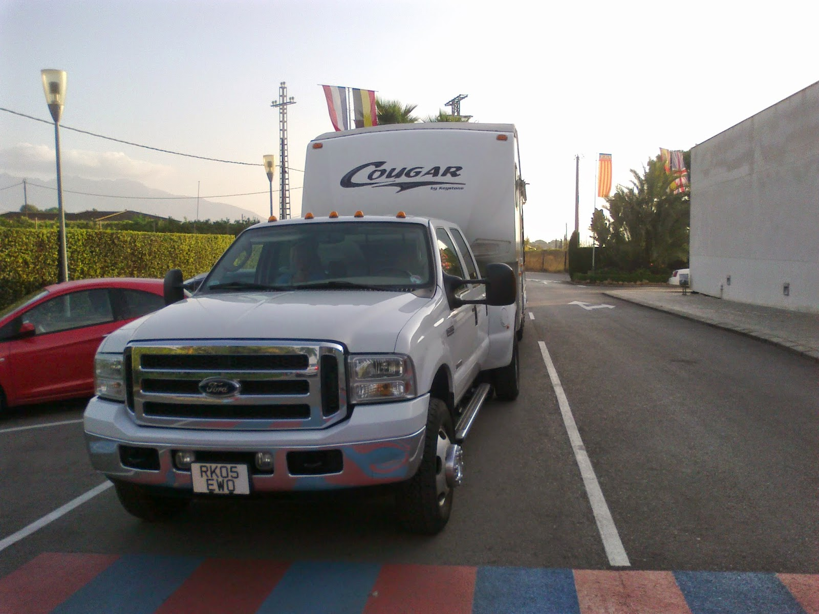 5th wheel towing transport and delivery, UK - Spain