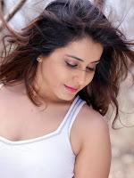 actress Rashi Khanna Latest Glamorous Photos-cover-photo