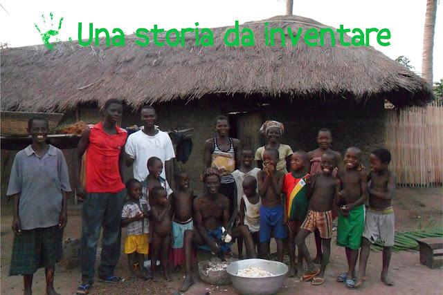Famiglia del villaggio di Atvchanvé in Togo, Africa