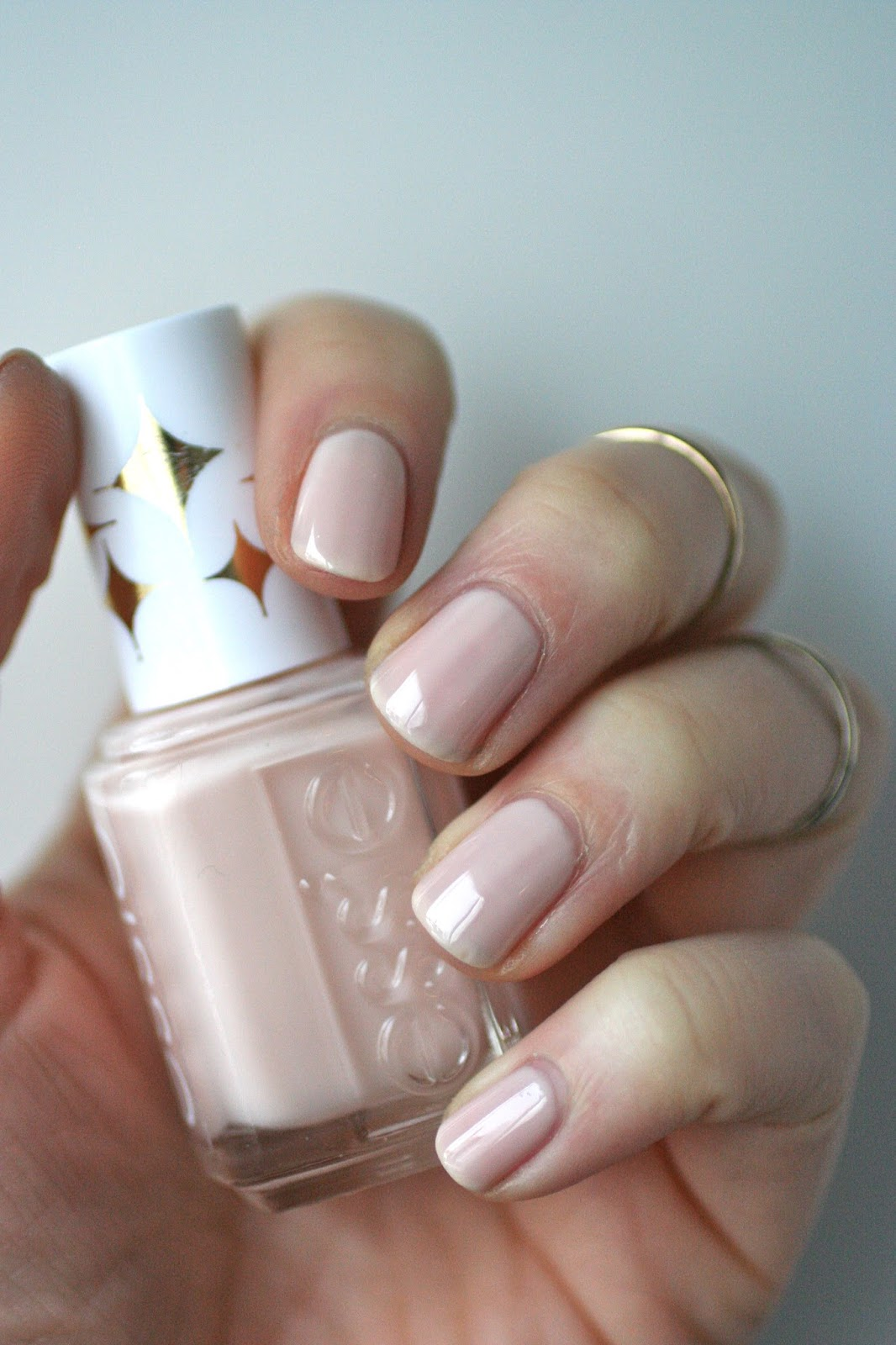 Essie Retro Revival : Starry Starry Night & Birthday Suit | Essie Envy