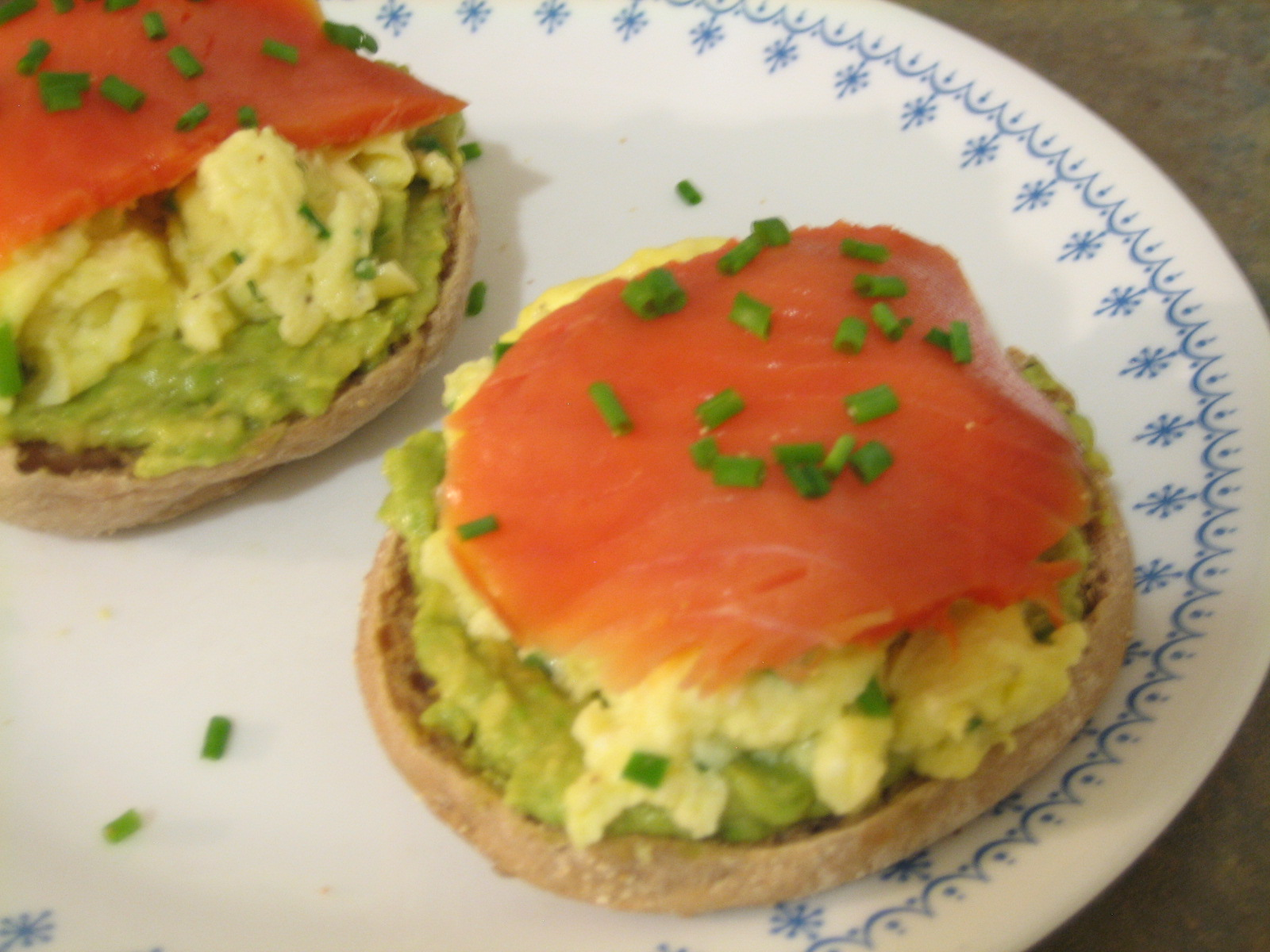 Fluffy Scrambled Eggs And Avocado Slices On Toast Recipe ...