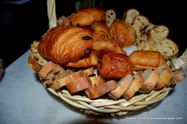 Fournil De Pierre's freshly baked goodies