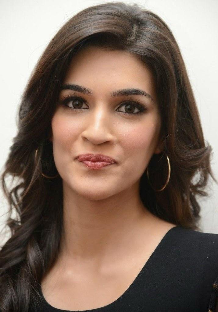 Kriti-Sanonb Face