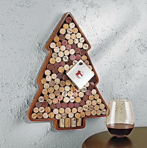 wine cork christmas tree giveaway purple patch diy. Black Bedroom Furniture Sets. Home Design Ideas