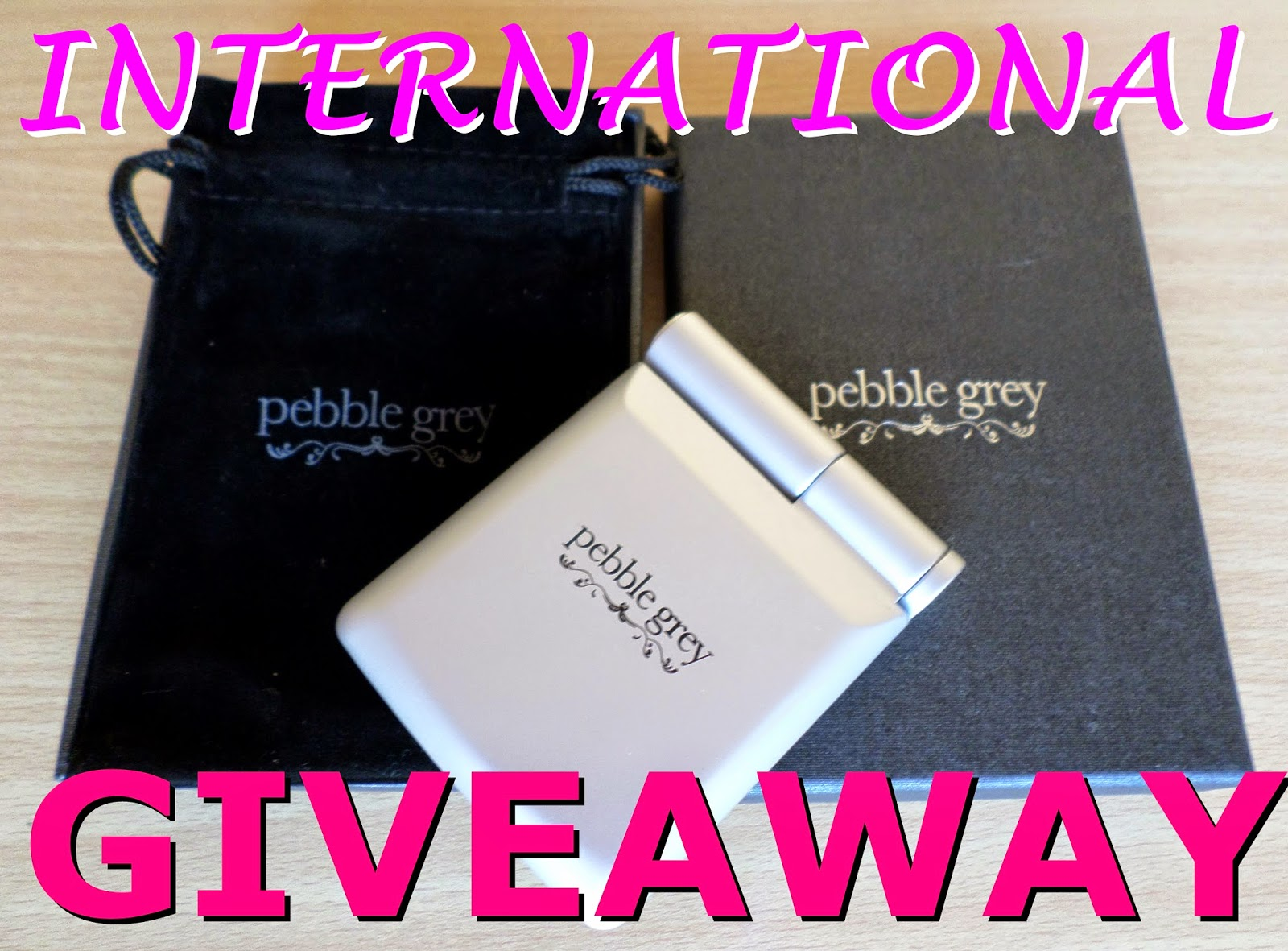 Pebble Grey LED Compact Mirror Review & Giveaway