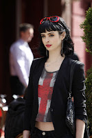 Krysten Ritter of Don't Trust the B---- in Apartment 23
