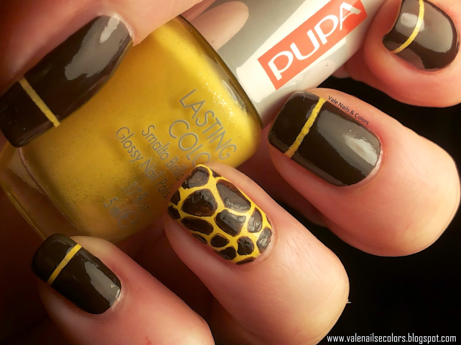 giraffe nail art, giallo e marrone