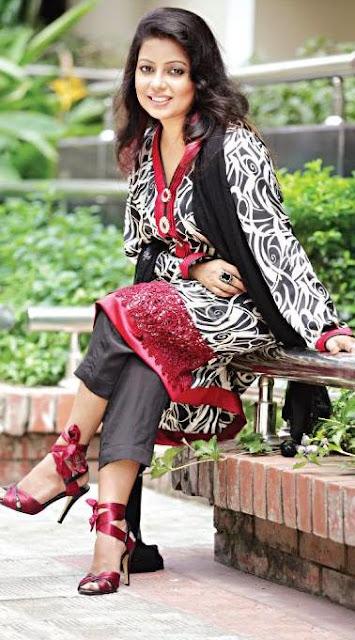 Bangladeshi Female Singer Kona