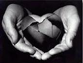 Cuando hayas perdido todo menos la razón, guarda silencio y deja que hable el corazón :)