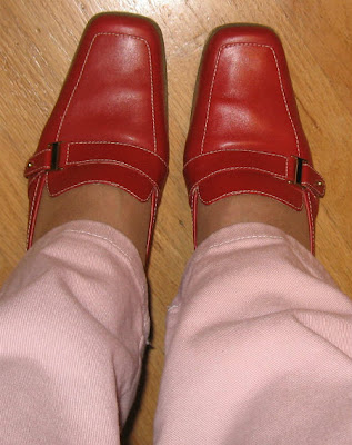 red mules shoes