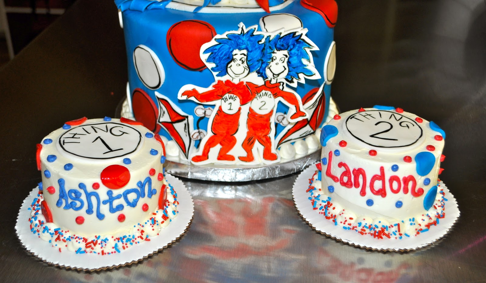 Coolest Cupcakes Thing 1 And Thing 2 Cat In The Hat Cake