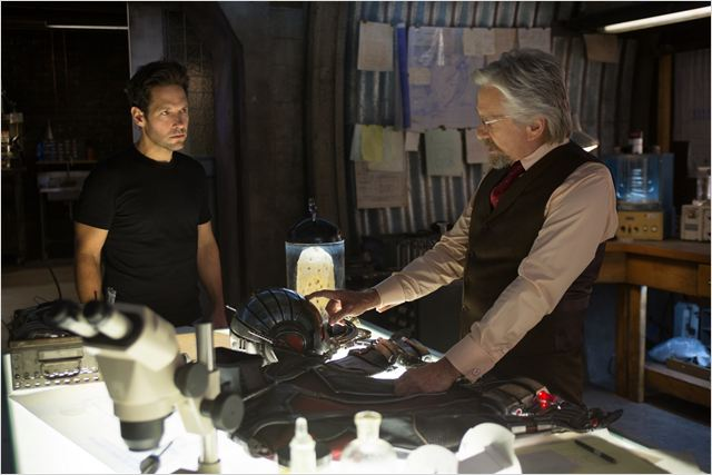 "Paul Rudd y Michael Douglas en ""Ant-Man"""