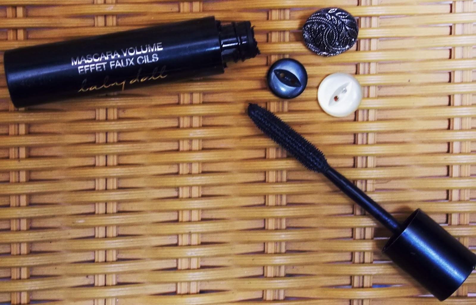 Beauty, How to achive volumised separated longer lashes, YSL, YSL Babydoll Mascara Review, Yves Saint Laurent Babydoll Mascara, Yves Saint Laurent Beauty,
