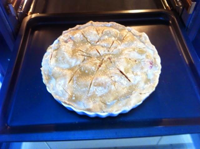 Готовим закрытый яблочный пирог