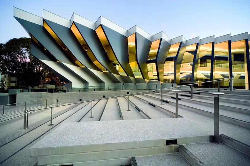 Architecture art code facade john curtin school of for Angular 1 architecture
