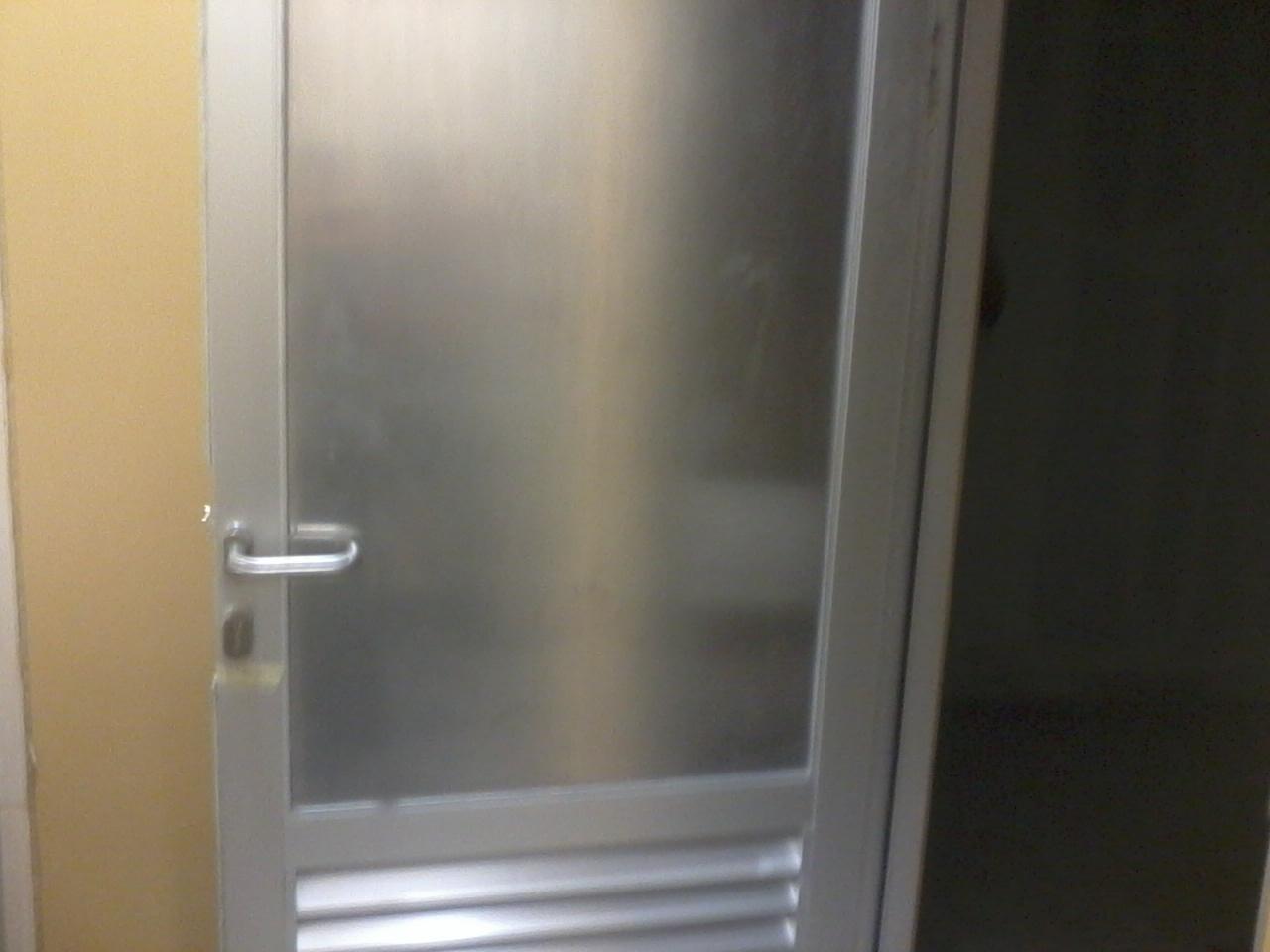 Gambar Pintu Kamar Mandi Kaca Kunci Berbagai Jenis Aluminium