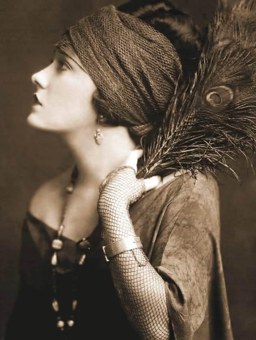 1920s Gypsy Style #vintage #antique #1920s #gypsy