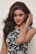 Vithika sheru latest glam pics-thumbnail-18