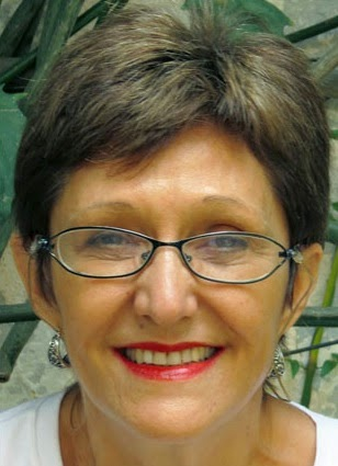 Erminia Maricato sai em defesa da gestão Haddad