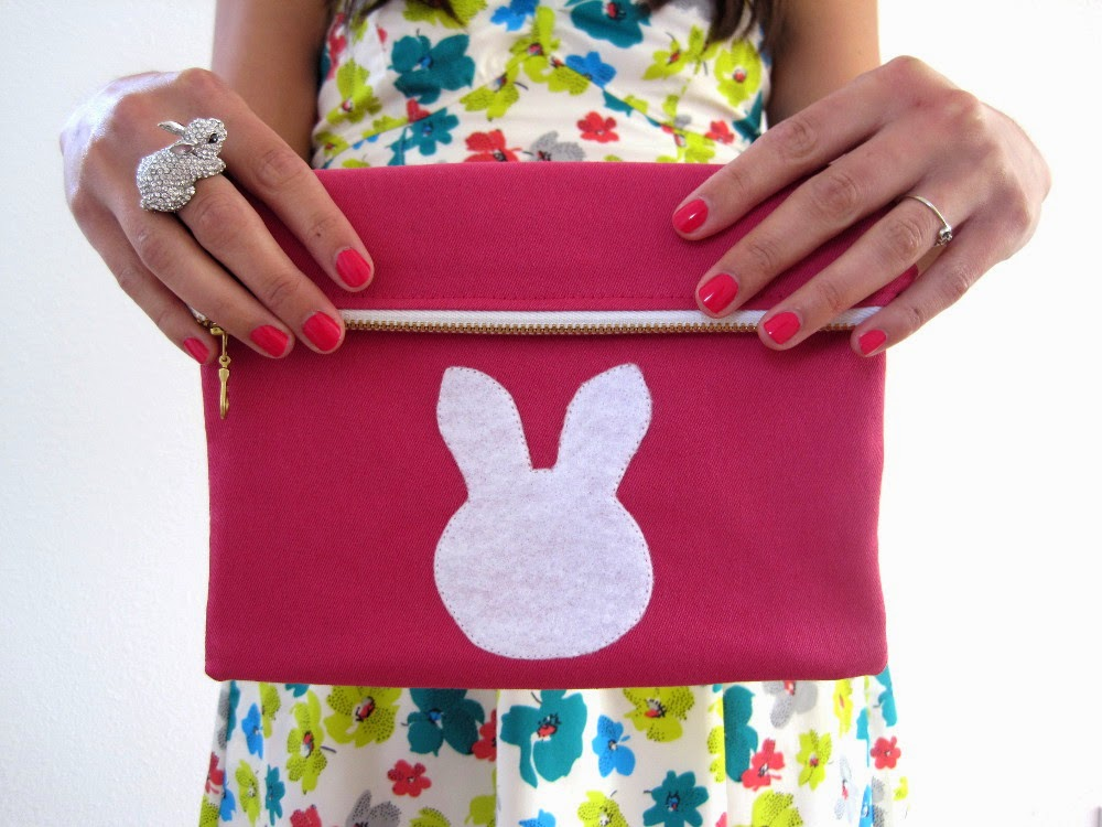 Bunny Foldover Clutch: sewing tutorial | She's Got the Notion