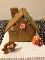 Christmas, Christmas craft, work in progress, gingerbread, gingerbread house, candy, sweets, decoration, decorating