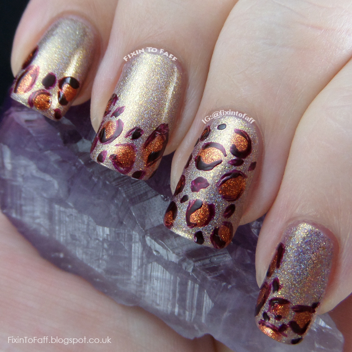 Easy autumn/fall holographic leopard print nail art.
