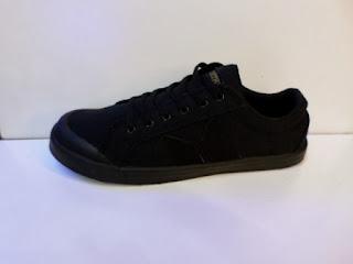 sepatu warna Hitam, sepatu hitam