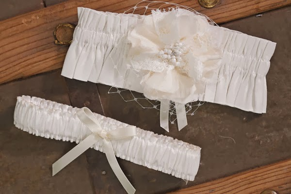 http://www.weddingfavoursaustralia.com.au/products/beverly-clark-la-fleur-collection-garter-set
