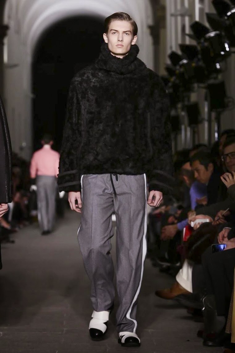 Andrea Pompilio AW15, Andrea Pompilio FW15, Andrea Pompilio Fall Winter 2015, Andrea Pompilio Autumn Winter 2015, Andrea Pompilio, du dessin aux podiums, dudessinauxpodiums, MFW, Pitti Uomo, mode homme, menswear, habits, prêt-à-porter, tendance fashion, blog mode homme, magazine mode homme, site mode homme, conseil mode homme, doudoune homme, veste homme, chemise homme, vintage look, dress to impress, dress for less, boho, unique vintage, alloy clothing, venus clothing, la moda, spring trends, tendance, tendance de mode, blog de mode, fashion blog,  blog mode, mode paris, paris mode, fashion news, designer, fashion designer, moda in pelle, ross dress for less, fashion magazines, fashion blogs, mode a toi, revista de moda, vintage, vintage definition, vintage retro, top fashion, suits online, blog de moda, blog moda, ropa, blogs de moda, fashion tops, vetement tendance, fashion week, Milan Fashion Week