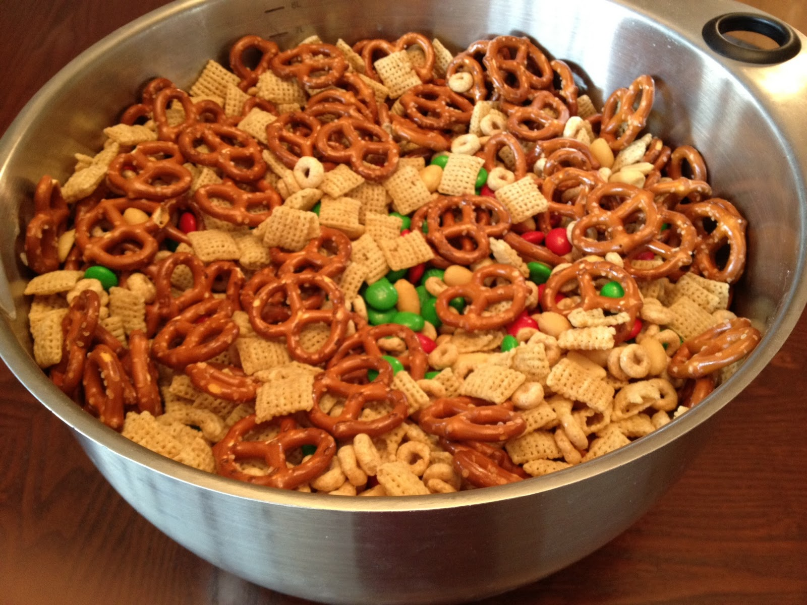... of Davis: Delicious, EASY Holiday Snack Mix That's Perfect for Giving