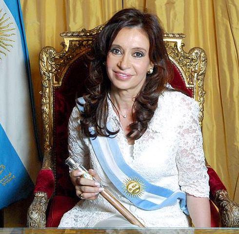 Cristina Fernández de Kirchner en el sillón presidencial
