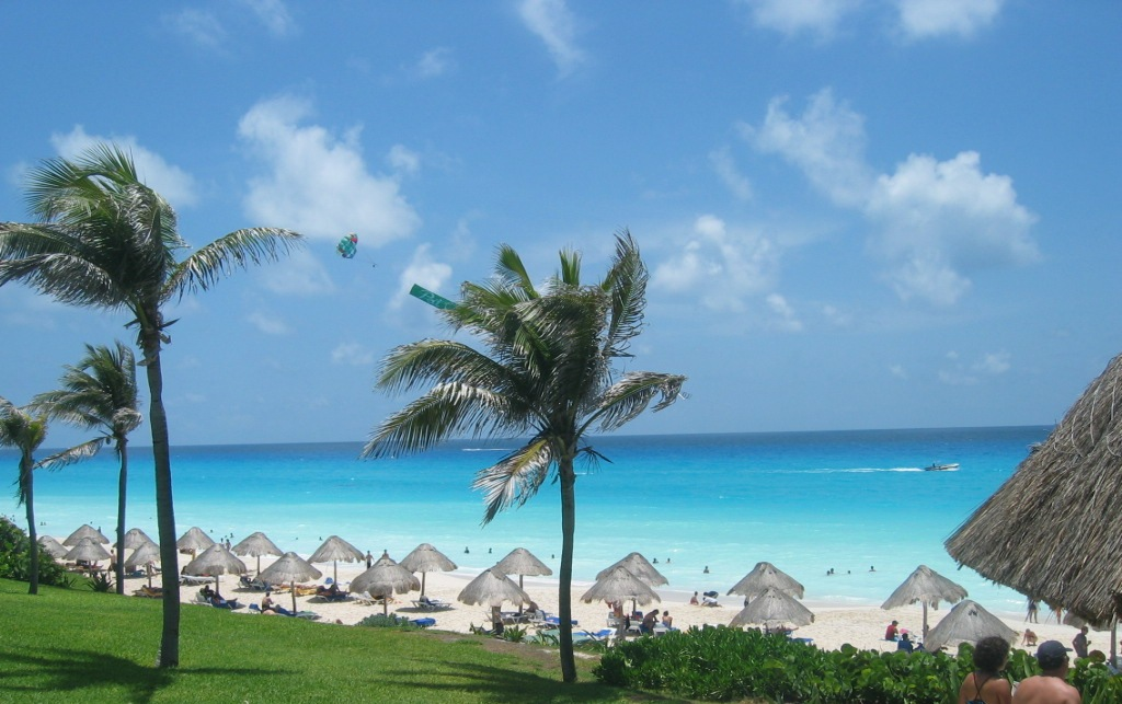 World most popular places cancun beach mexico walpapers for Tropical getaways in december