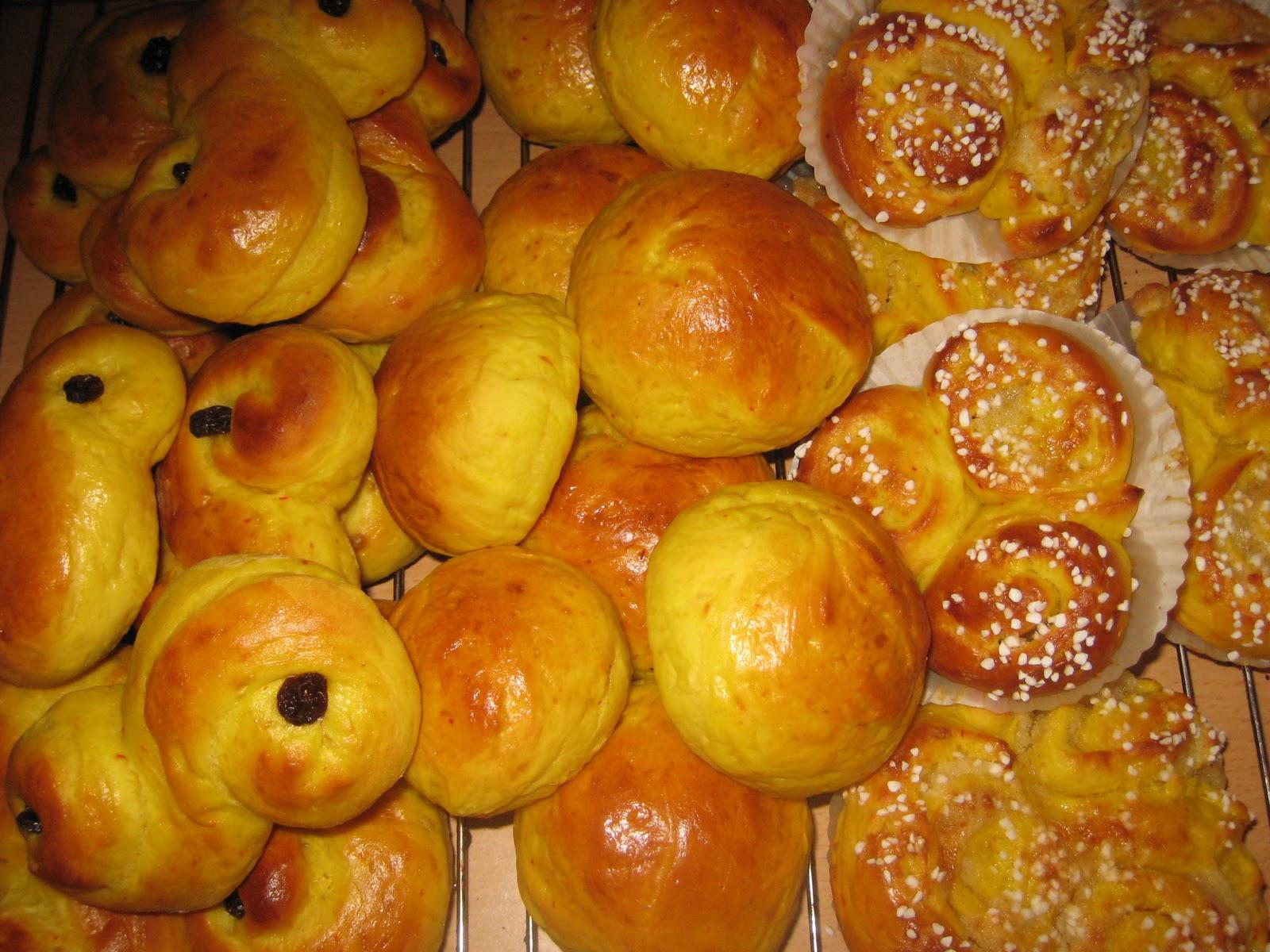 lussebullar med mandelmassefyllning